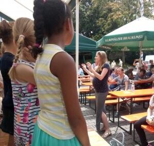 Kinderchor beim Stadtteilfest