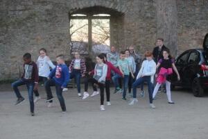 Tanzen im Burghof