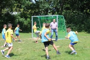 Erstes Fußballspiel mit den neuen Toren